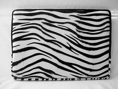"""Faux-fur Animal Carrying Sleeve for Apple 15"""" MacBook"""